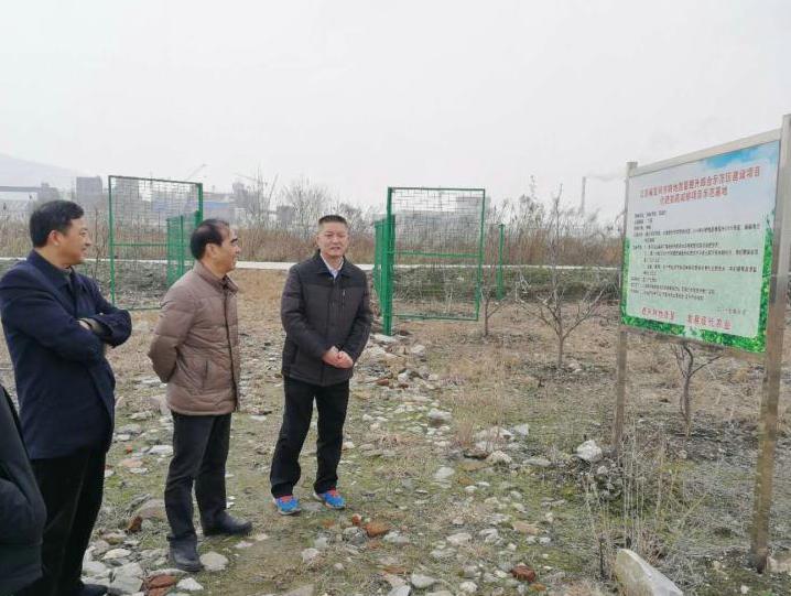 市社主要领导赴扶贫结对村项目基地视察